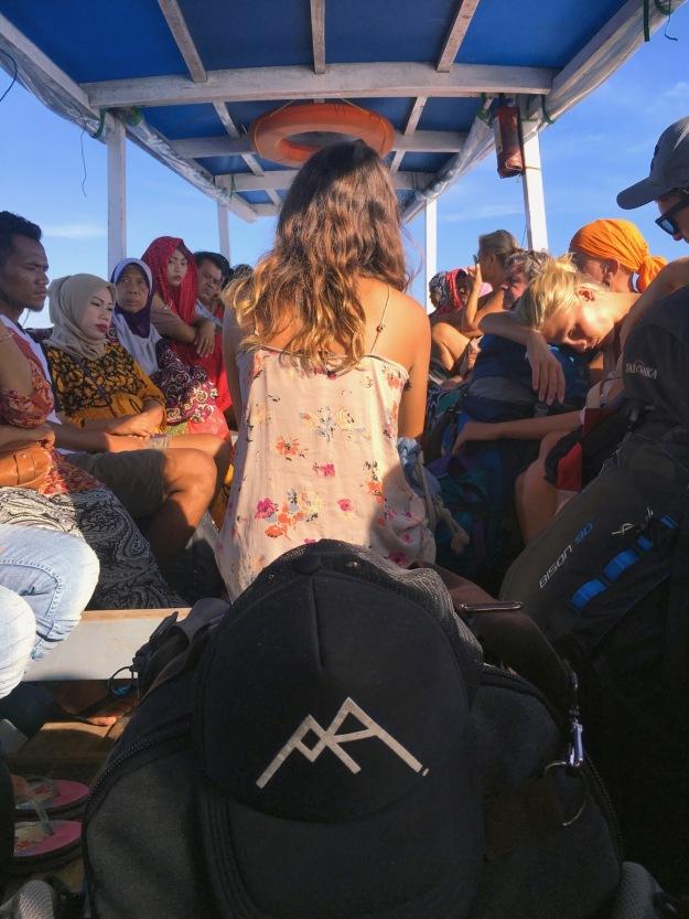 Public boat Gili Lombok - Delicieuse Vie