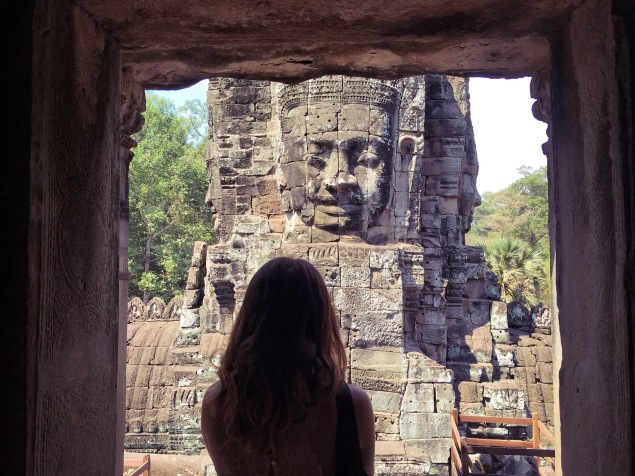 Bayon encadrement temple - Cambodia Angkor Délicieuse Vie