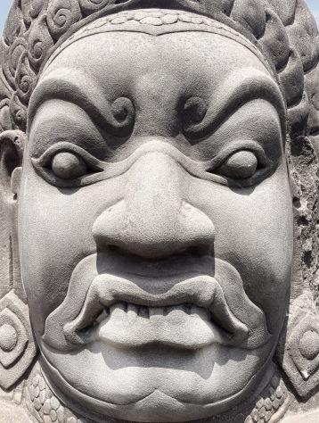 Détail tête gardien - temple Angkor - Délicieuse Vie