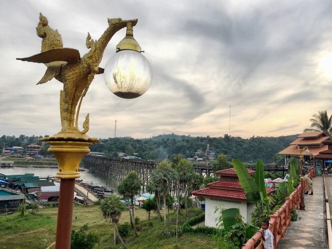 bridge view sangklaburi délicieuse vie