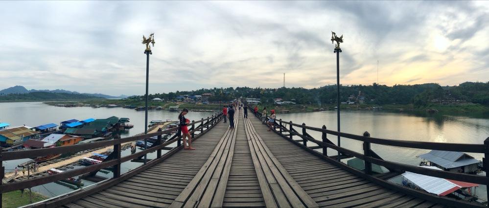 bridge pano sangkhlaburi thailande délicieuse vie