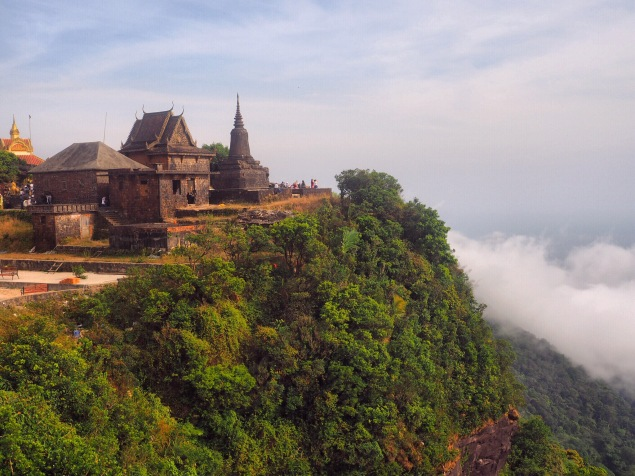 Temple Bokor Hill Station, Cambodge, Kampot by Délicieuse Vie