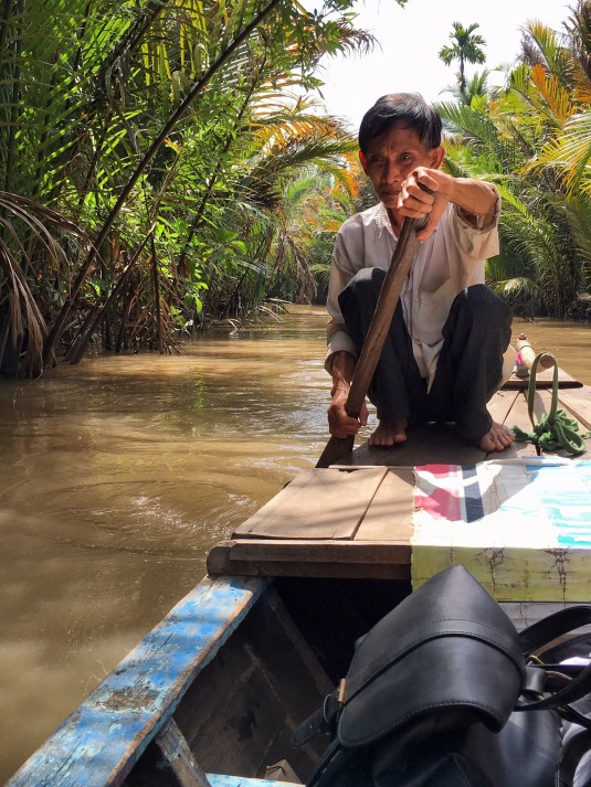 Boat - Couple - Mékong River - Délicieuse Vie