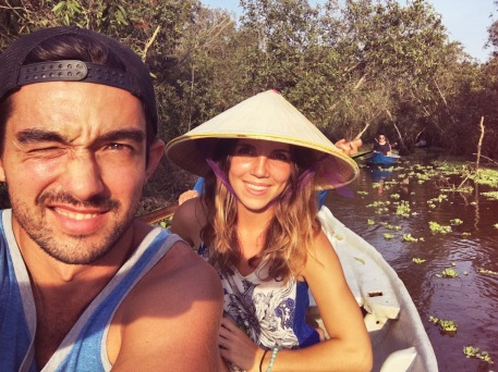 Boat - Couple - Mékong River Délicieuse Vie