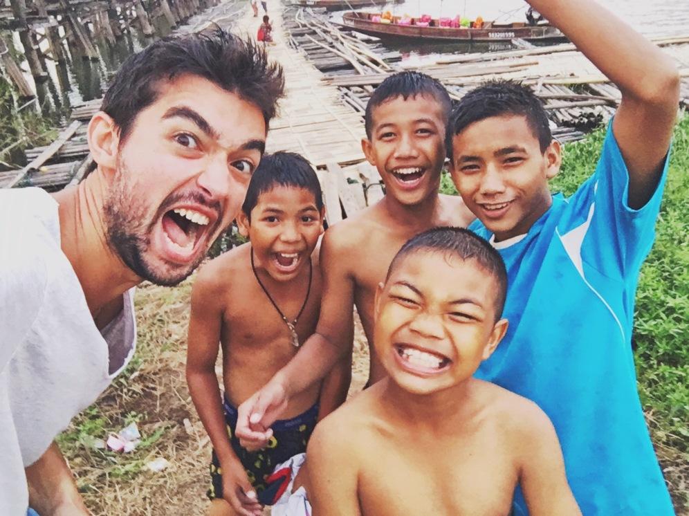 kids sangklaburi thailande delicious vie