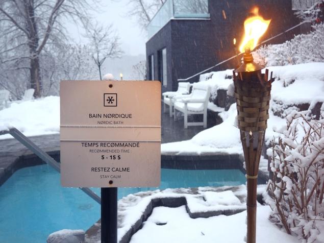 Bain nordique Strøm Spa extérieur neige Delicieuse Vie